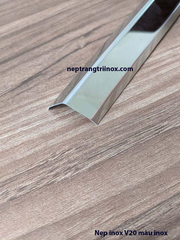 Hình ảnh nẹp inox V20 màu inox